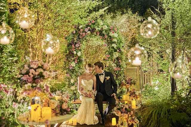 誓う 一 ドレス 白い の 花 を 愛 冠 の 世界