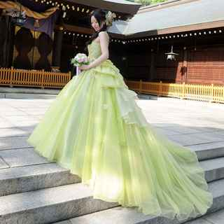 神社でドレス姿も素敵