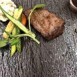 キレイに撮れてないが黒毛和牛のお肉でした