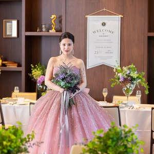 選べるドレス、小物がそろったウエディングパーティープラン