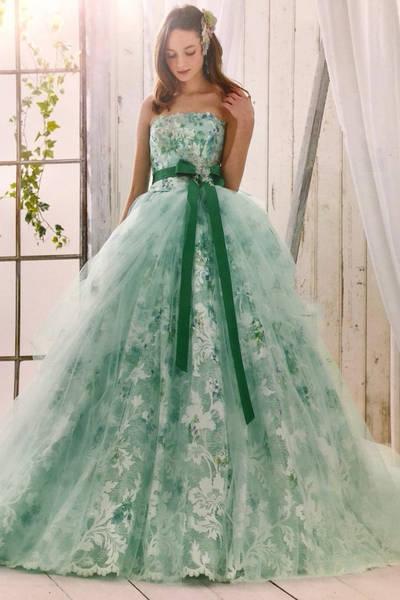 2枚目 インポートブランドのカラードレス