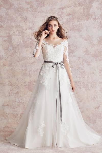 2枚目 ウェディングドレス