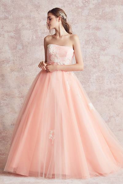 2枚目 カラードレス