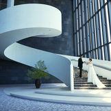 ヒルトングループ最上級ブランドコンラッドならではのクリエイティブで洗練された空間