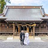 1600年の歴史を誇る「焼津神社」でも挙式可能。送迎を含め対応します。