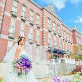 6000通りの結婚式を叶えた王道の専門式場。 純白のチャペルや県内一のコストパフォーマンスも人気の理由!