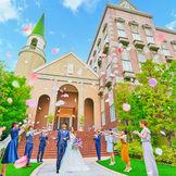 全国展開の式場だから安心♪結婚式に必要な設備・サービスを完備! 5つの多彩な披露宴会場や県内最大級のドレスサロンも人気の秘密。感染症対策として日程変更無料。何度でも変更可能。