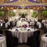 1階 ボールルーム曲水/重厚感あふれる同会場は、賓客をもてなすに最適な人気会場