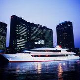 「東京湾の貴婦人」とも云われる「LADY CRYSTAL」から、日々変化する東京を船からご覧いただきます。