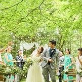 【フラワーシャワー】木漏れ日あふれる軽井沢の森の中で特別なひと時を。
