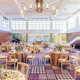 ガーデンテラス・噴水・オープンキッチン・大階段と、最新の設備や憧れの演出が詰まったパーティー会場