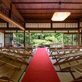 自然豊かな日本庭園で行うオリジナル人前式~桜祝言~