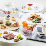 和洋折衷の料理はお年寄りから若者まで好評