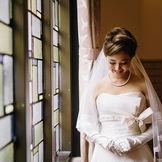 ステンドグラスと花嫁