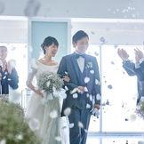 ゲストからの祝福を感じていただける、心温まる挙式が叶います。