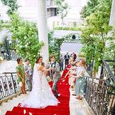 代官山駅徒歩5分の好立地 旧山手通り沿い憧れの大教会 都内で唯一の大階段でロマンチックセレモニーを