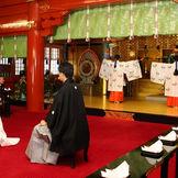 巫女の舞は神田明神の結婚式には欠かせない。2名の巫女が美しく舞う。