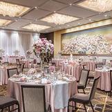 桜の綴れ織が会場を彩る人気会場「春秋」