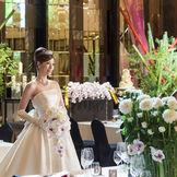 花嫁様のドレスを美しく魅せる煌びやかな会場
