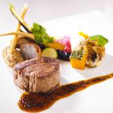 牛フィレ肉は絶品の味わい。 おもてなしを重視している方にオススメの当館の料理は、シェフが厳選した食材をその場で調理し、ゲストの皆様に召し上がって頂きます。