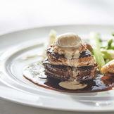 【ポール・ボキューズのスペシャリテ】牛フィレ肉のロッシーニ 色とりどりの季節野菜添え トリュフの香るペリゴールソース