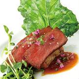 「特選にいがた和牛のロースト わさび風味のソース」幅広い年齢に人気のメイン料理