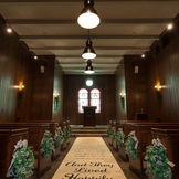 ある教会式での1コマ。 本物の牧師先生による、本物の挙式が¥99800で叶います。