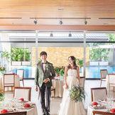 通常の披露宴はもちろん、1.5次会や二次会にも人気の会場だから、形式張らずにもっと自由な結婚式を実現します