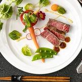 素材にも盛り付けにも、食べやすさにもこだわったコース料理