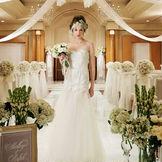 チャペル教式、人前式、警固神社の神前式まで挙式スタイルが豊富。多彩なプランで予算に合わせてふたりも嬉しい結婚式を提案。
