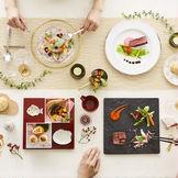 東京でも大好評の婚礼料理では難しいとされているセレクト料理が関西初上陸。 ゲストが当日メニューを選んでいただくという最高のおもてなしの叶う結婚式場。
