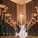 カサブランカの香りが漂う いつでも戻ってこられるチャペル 暖かい雰囲気で、少人数での結婚式にも最適。