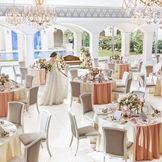 地上の楽園「セイシェル」をイメージした、華やかで開放的なバンケット。白を基調としたフレンチコロニアルスタイルが上品なムードを演出します。