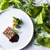 「予約の取れないレストラン」で最高のおもてなしを ゲストが唸る、最上級のお料理