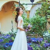 四季折々の花々が咲き誇るプライベートガーデンでゲストと大切な時間を過ごしていただけます。