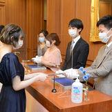 新型コロナウイルスの感染対策を実施のもとご結婚式を行っていただいております