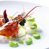 京都の四季や文化を通じて表現する正統なるフランス料理。