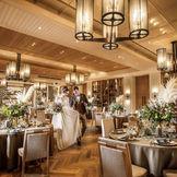 スタイリッシュでモダンなデザインの披露宴会場エスペランスでふたりの理想の結婚式を叶えて