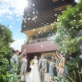 新横浜駅から2分。ゲスト想いのおふたりにオススメの、結婚式のためにつくられたホテル