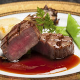 【和洋折衷】肉料理・黒毛和牛フィレ肉の網焼き ドフィノワーズと温野菜のヴァリエ