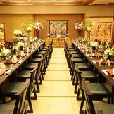 和テイストのご希望も叶えられるように、畳敷きの会場もご準備しております。 最大50名までのご宴席まで可能です。