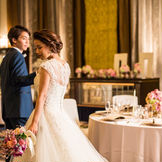 上質な新コーディネート。落ち着いた雰囲気でエレガントな結婚式を。
