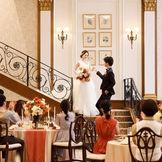 大勢のゲストを招いた正統派の披露宴もおまかせ。上質なサービスと美食の数々で記憶に残るおもてなしを