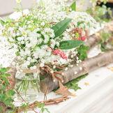 おふたりのイメージに合わせてフラワーコーディネーターが季節のお花をご提案します。
