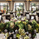 リゾート感漂う『オリエンタル邸』 プライベートガーデン付きで天井のファンから心地よい風を感じる オープンキッチンも併設されて出来立ての美味しいお料理とゲストとの会話が弾む邸宅