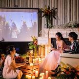 新しいパーティースタイル】キャンドルやランタンの幻想的な灯りに包まれたシアターウエディング