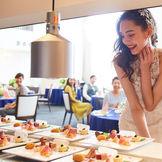 オープンキッチンやバーカウンターが会場併設なのでゲストへのおもてなしも抜群