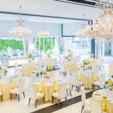 開放的でワイドなパーティ会場は、140名まで着席可能!空間を贅沢につかったプライベートウェディングを叶えよう♪
