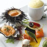 【モダン・シーフード】旬の魚介類を使用した新感覚フレンチを、心ゆくまで楽しんで