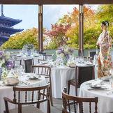 【THE PAGODA】1,700坪の敷地を見渡し八坂の塔を一望するメインパーティ会場